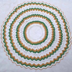 Large round crocheted doily. Vintage. Table topper